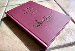 Read more about the article How to Craft the Perfect Foil Stamp Book Cover